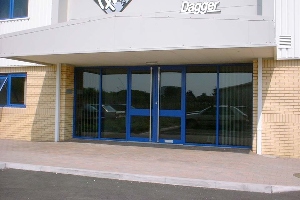 Commercial aluminium doors crawley