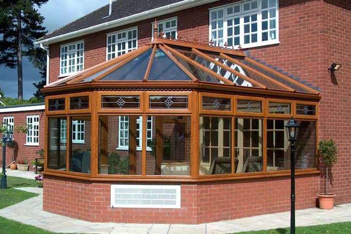 Conservatories shaws of crawley