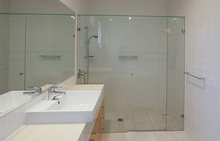 Glass shower screens crawley 3