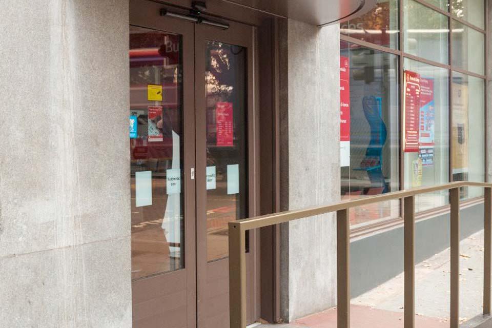 Diamond Glass & Windows commericla shop fronts