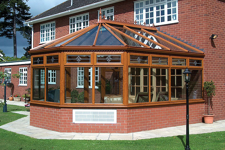 Victorian conservatories crawley title=