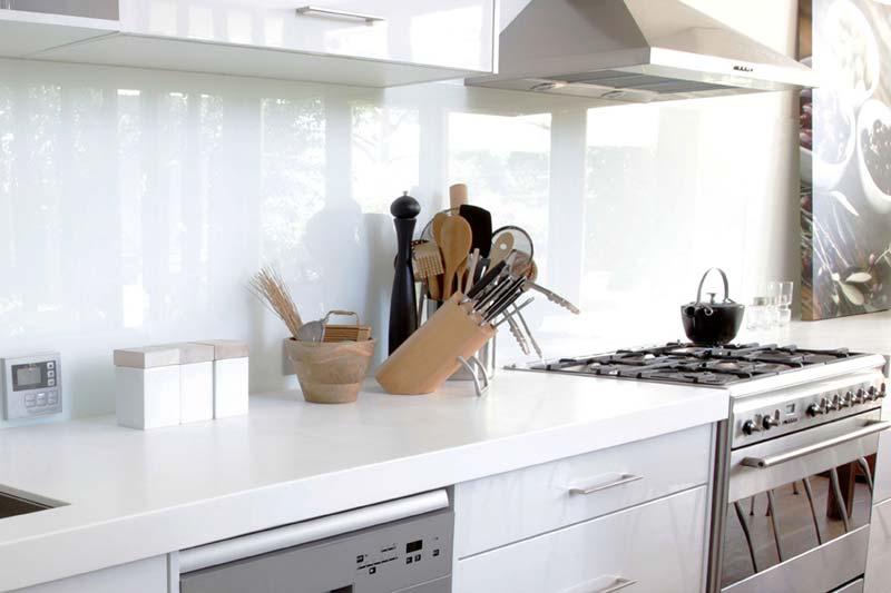White kitchen splashbacks crawley